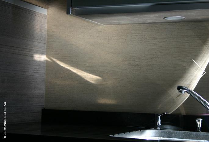 Résidence, enduit minéral à la chaux, Collection Le Fil « Filé écorce» cuisine Poggenpohl, Rhône-Alpes 2007